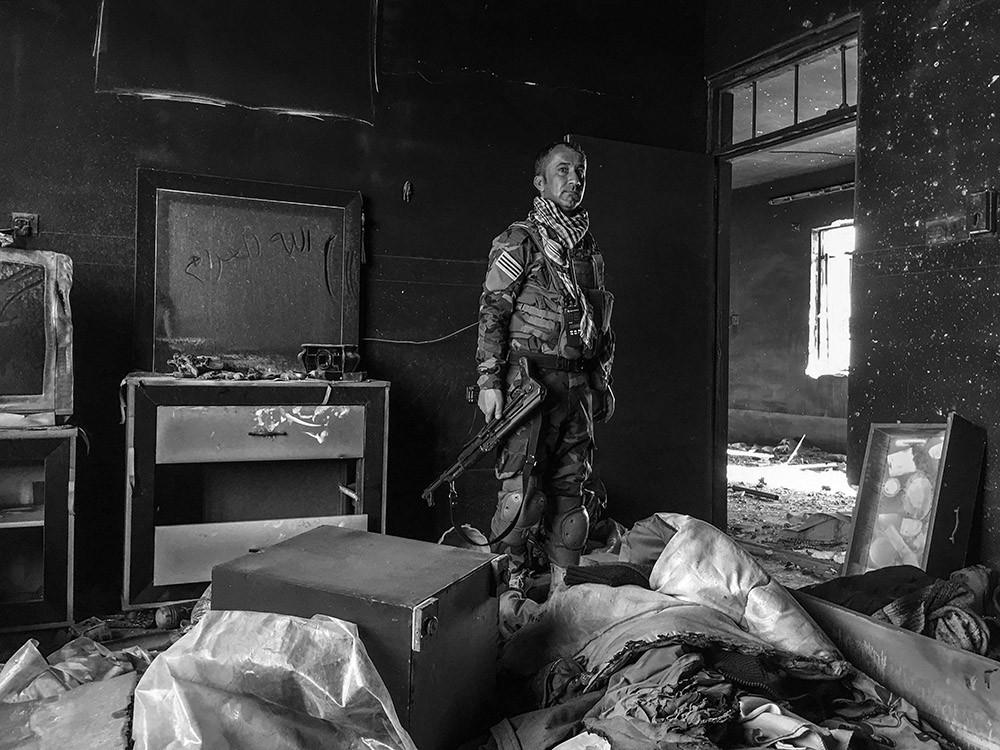 Peshmerga Soldier, Sinjar-Iraq (Giles Clarke)